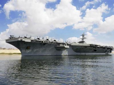 Porta-aviões americano no Golfo é alvo e não ameaça, afirma comandante iraniano