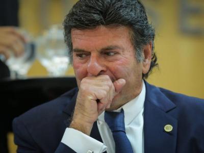 Ainda há juízes em Brasília?