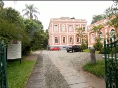 """Com o laudêmio ou """"taxa do príncipe"""", Petrópolis privilegia regime extinto há 130 anos"""